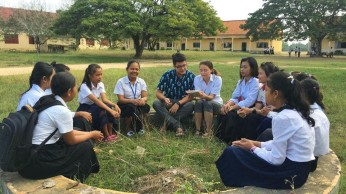 Talking with high schoolers about the importance of friendship (in broken Khmer)